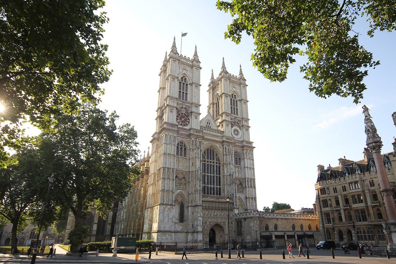 Exterior of Westminister Abbey on a sunny day